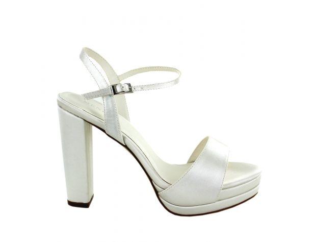 Menbur Scarpe Da Sposa.Scarpe Sandalo Sposa Menbur Modello Nidia Abitipersposa It